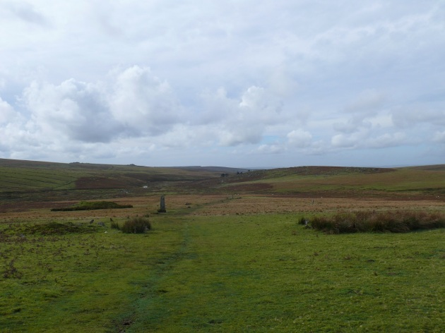 Looking back down to the menhirs at Drizzlecombe from the path up to Higher Hartor Tor