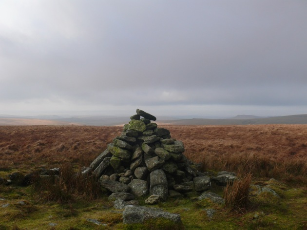 Cairn at Great Gnats Tor, the dark shape of Sheepstor to the right
