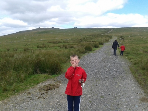 Bite to eat on the path up with Little and Great Mis Tor ahead