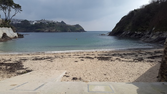 One of the lovely bays on the way to the castle