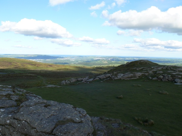 On Saddle Tor now and the looking the same way as the previous picture