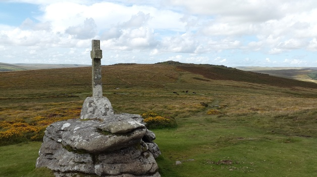 Cave Penney Memorial with Yar Tor behind